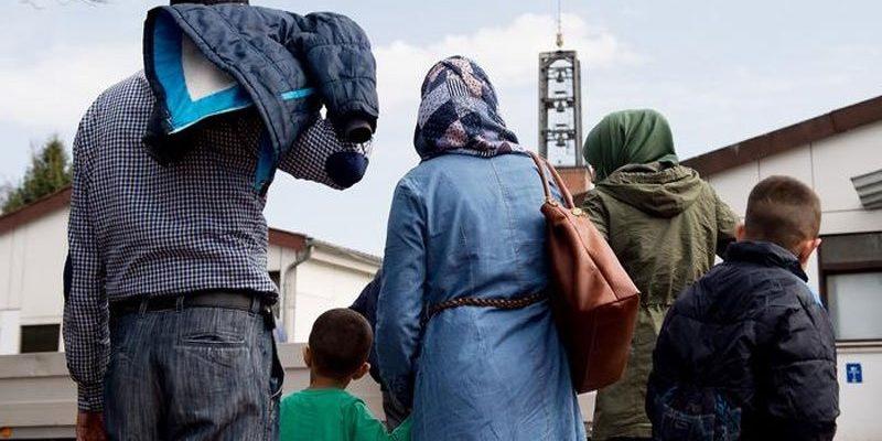 هولندا تقرر عدم اعادة اللاجئين السوريين الى اليونان