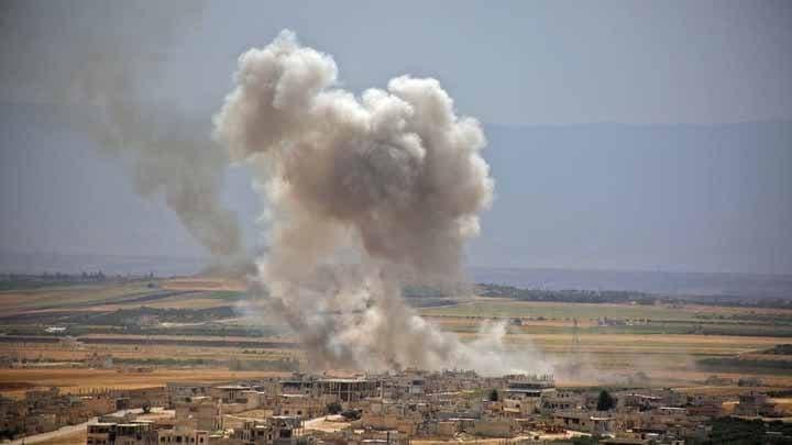 غارات جوية وقصف مدفعي وصاروخي على مناطق جبل الزاوية