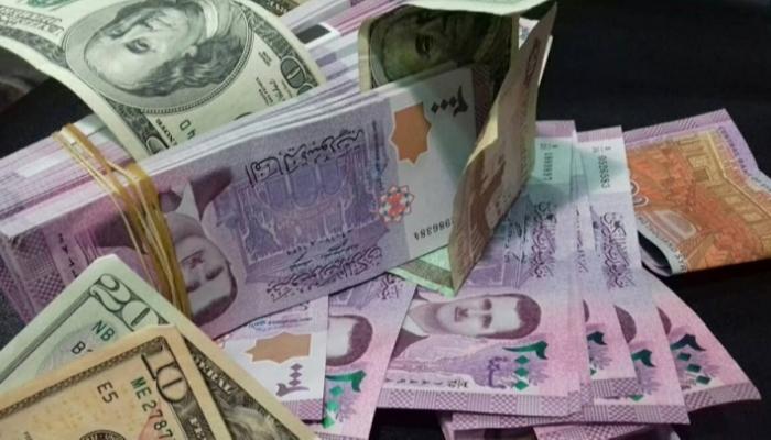 الدولار يسجل ارتفاعاً جديداً في  افتتاح تداولات السبت