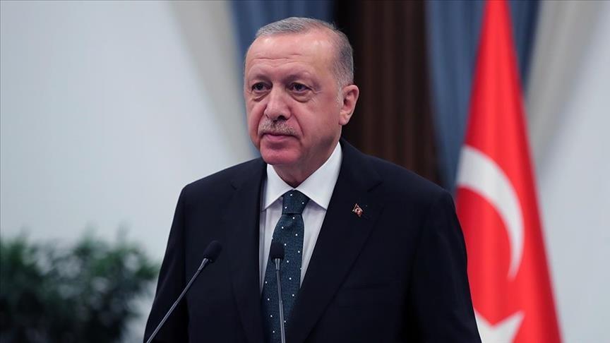 الرئيس التركي يصل أنطاليا لتفقد المناطق المتضررة جراء الحرائق