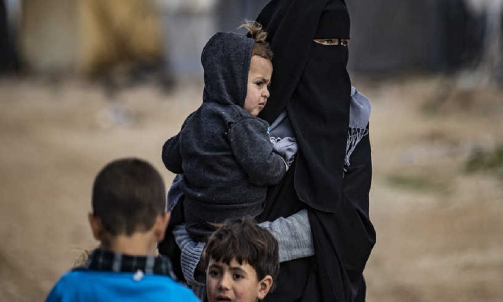 ألنانيا تستعيد 5 نساء و 14 طفلا من مخيم الهول في سوريا