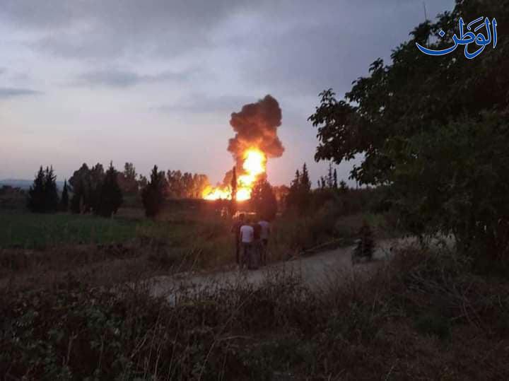 اشتعال صهريج بنزين يقطع طريق حمص طرطوس