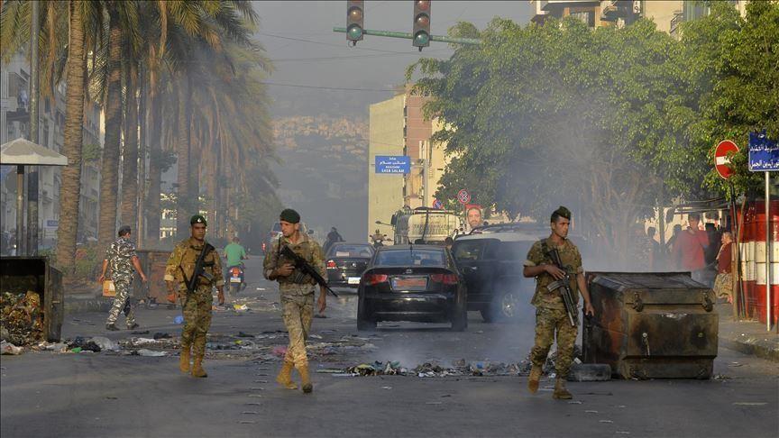 مسلحو حزب الله يجتاحون بيروت..وسقوط قتلى وجرحى باشتباكات عنيفة..(فيديوهات)