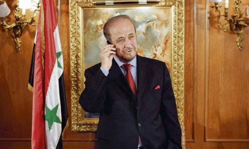مطالبات  فرنسية بسحب وسام الشرف من  رفعت الأسد