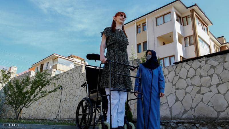 أطول امرأة في العالم :  أن يصبح المرء مختلفا ليس أمرا سيئا كما تظنون