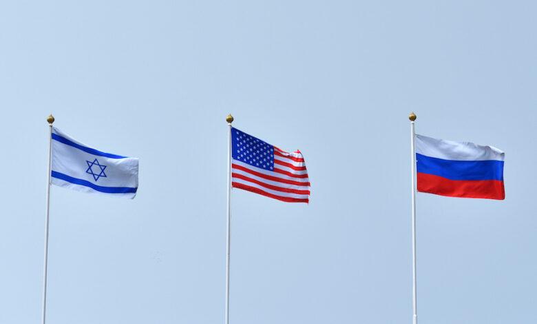 أنباء عن اتفاق روسي أمريكي إسرائيلي لمناقشة الوضع في سوريا