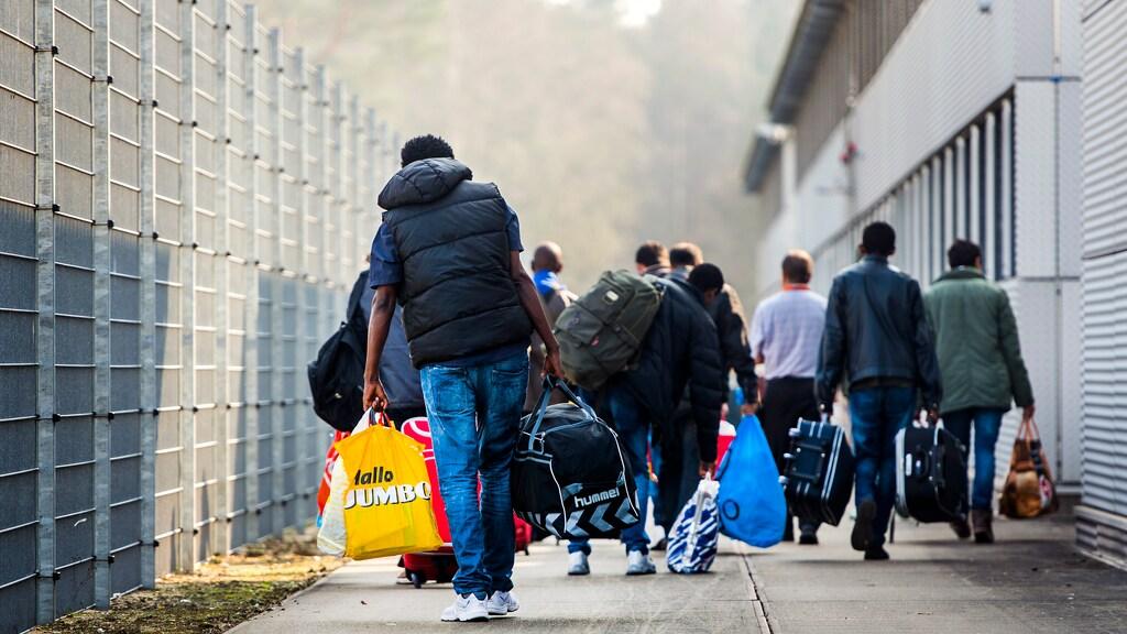 مصادر دولية : سوريا ليست آمنة لعودة اللاجئين