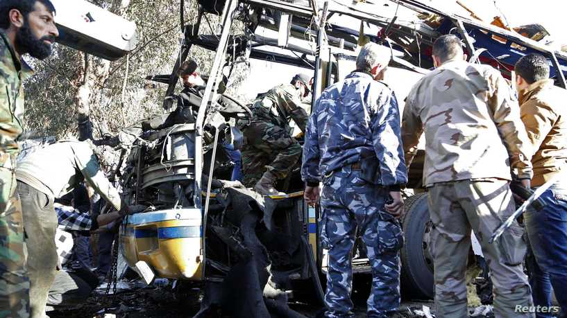 Dead and wounded in an explosion targeting a bus for the regime forces in Damascus