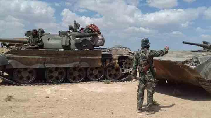 النظام يدفع بتعزيزات عسكرية ضخمة إلى ريفي حلب والرقة