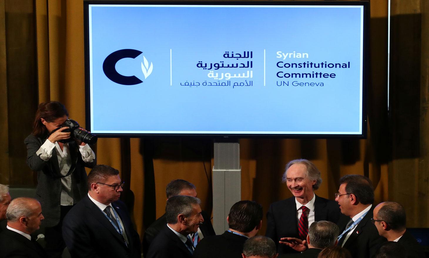 أيها السادة في اللجنة الدستورية .. لاتقزموا مطالب الشعب السوري وتعوموا الأسد..