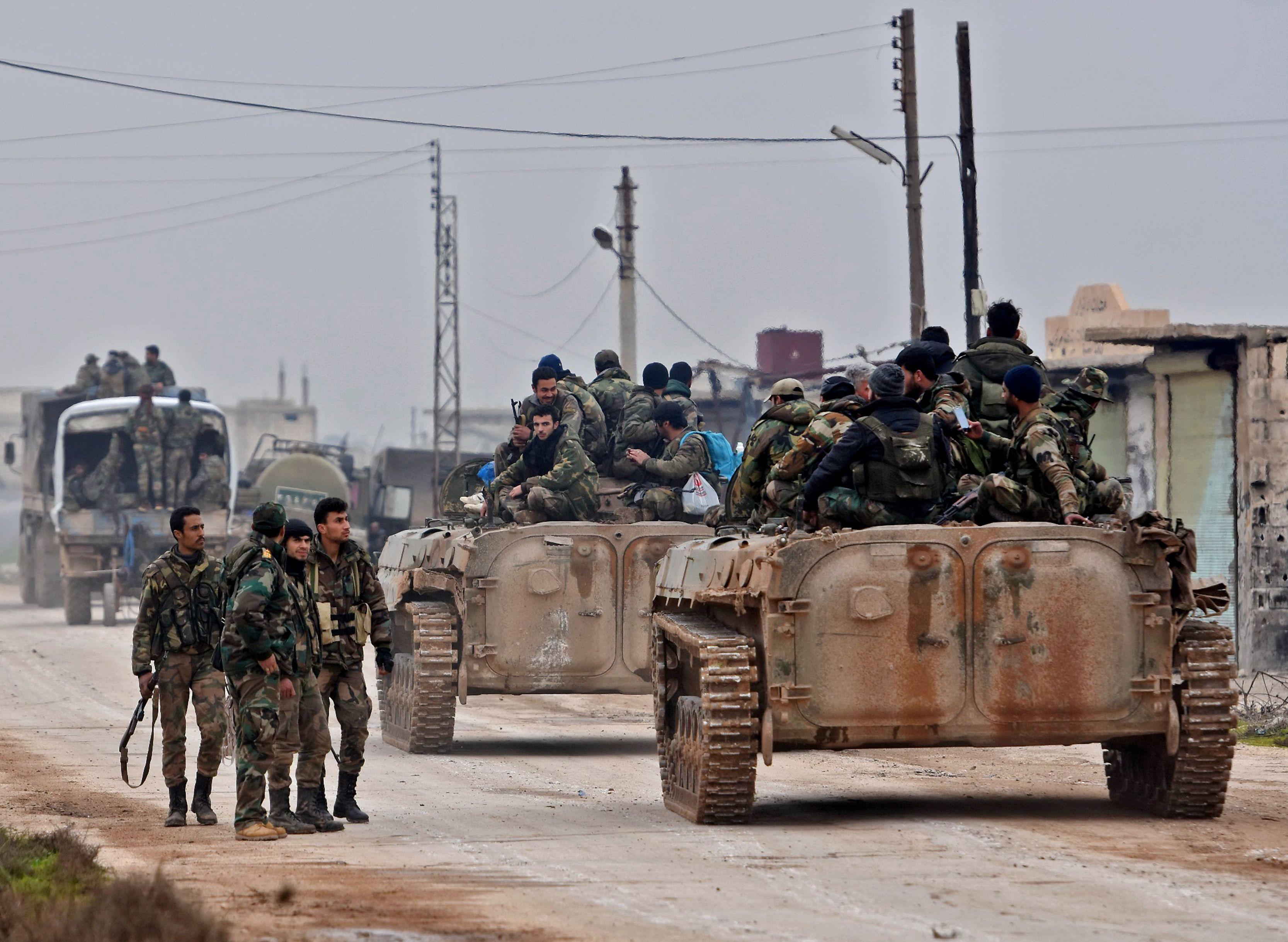 قوات النظام تحاصر ثلاث بلدات بريف درعا وتوقف التسوية فيها