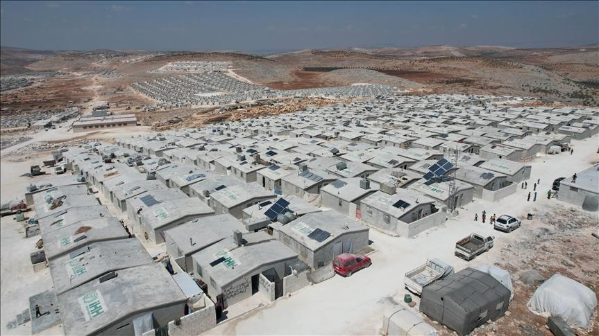 الإغاثة التركية تبني أكثر من 16 ألف منزل مؤقت في إدلب