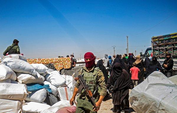 العراق يعتقل مسؤول نقل عوائل مقاتلي داعش من مخيم الهول
