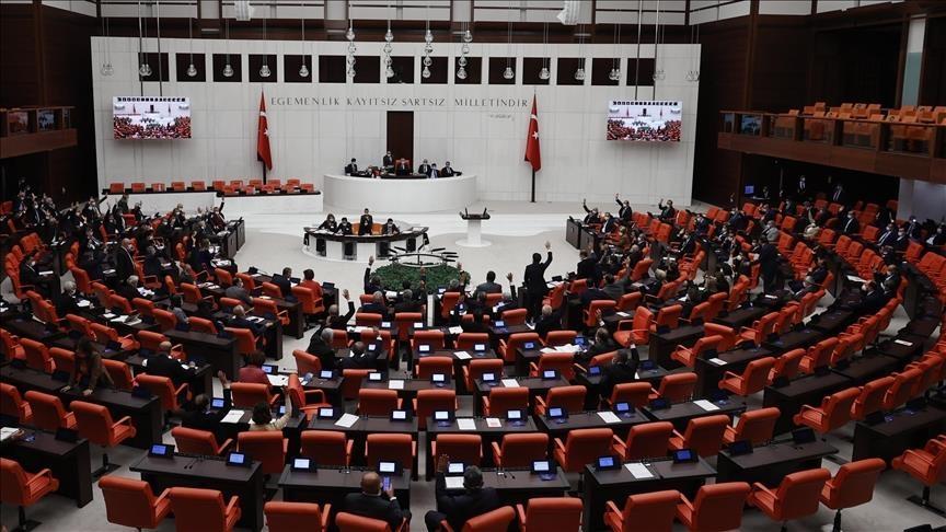 البرلمان التركي يناقش تفويض إرسال قوات إلى سوريا والعراق ولبنان